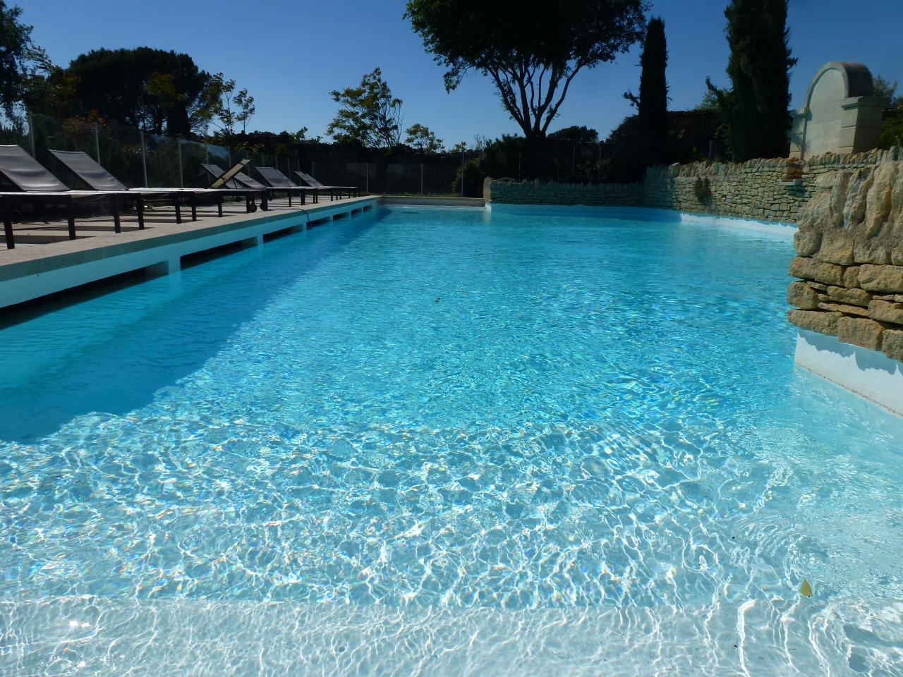 """""""Le Balcon de Gordes"""" gite avec piscine et superbe vue sur Gordes"""